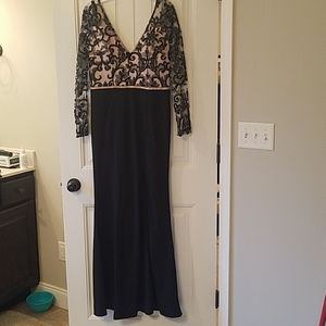 Soieblu formal dress with sleeves, size large